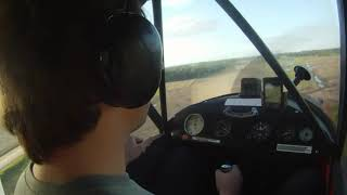 preview picture of video 'Aterrizaje en Aeroclub de Mercedes (MRD) - Piper PA-11'