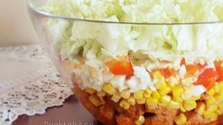 Sałatka warstwowa z kurczakiem i kapustą pekińską