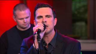 """Ashley Hamilton & The Lonely Hearts perform """"Jingle Bell Rock"""" live on Good Day LA"""