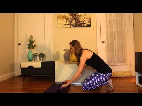 Best Way To Fold Roll Your Yoga Mat Guide, Quick Tip and Tutorial