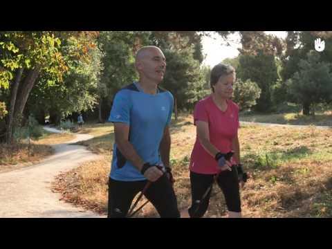 El yoga la mañana del ejercicio para el adelgazamiento
