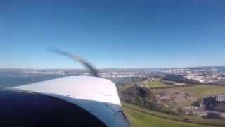 preview picture of video 'Cessna 152 Circuit of Tauranga'