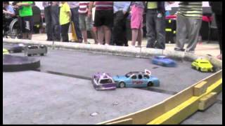 preview picture of video 'Bournemouth RC Raceway Bangers Mardave 16th May 2014 Heat 2 Race 2'