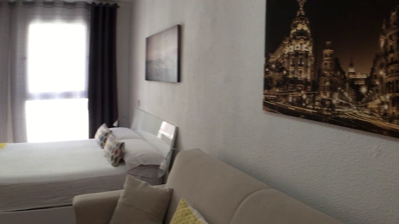 Studio apartment with AC for rent in Malasaña