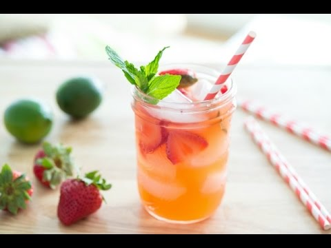 STRAWBERRY LIMEADE RECIPE – Non-Alcoholic Drink Miniseries