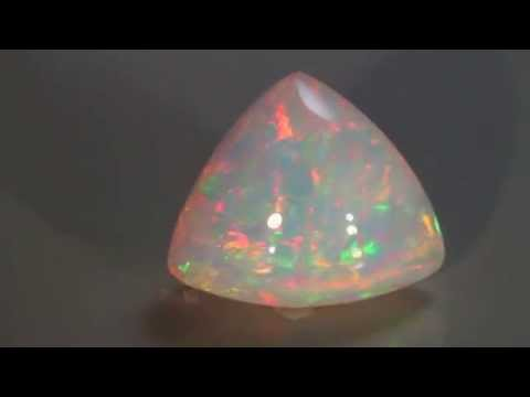 Trilliant Welo Opal 20.60 Ct.