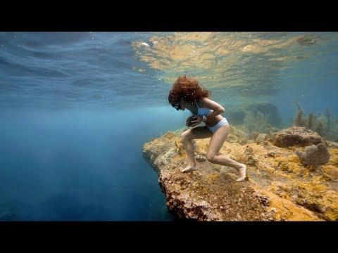 Crazy Underwater Rock Run on a Single Breath