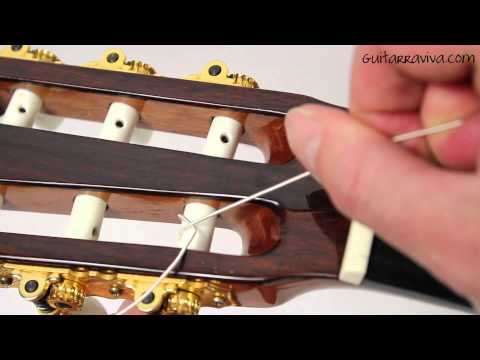 Como cambiar cuerdas a una guitarra ( española -  criolla - clásica - flamenca