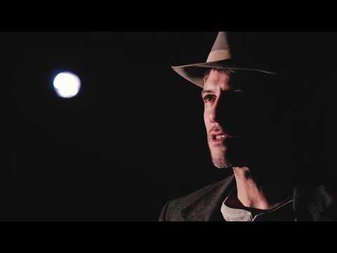 Προεσκόπηση βίντεο της παράστασης Τα κόκκινα τετράδια.