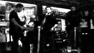 SKYLAB- Running In Circles (Live @ Titanic) 2004
