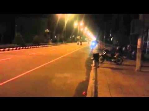 Cảnh sát bắt gọn băng đảng đua xe tối hôm hao lô uyn