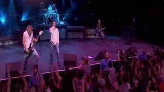 3 Doors Down - Duck and run live in Texas (Away from the sun) HQ