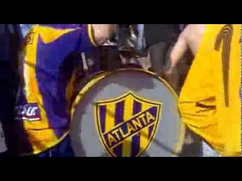 """""""ponga huevo bohemio, esta banda te viene a alentar !!!"""" Barra: La Banda de Villa Crespo • Club: Atlanta"""