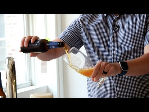 Watch the best way to pour beer by a specialist