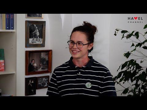Přehrát video: PO ŠKOLE #1   Rozhovor se středoškolačkou Klárou Bělíčkovou, aktivistkou z Fridays for Future