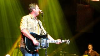 "Blake Shelton Surprise ""Honey Bee"" Nashville 5/19/12"