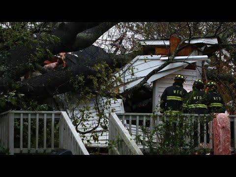 العرب اليوم - شاهد: خمسة قتلى إثر إعصار فلورنس في كارولينا الأميركية