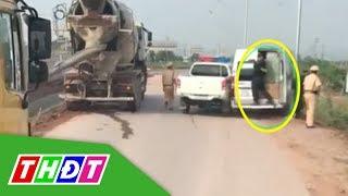 Cảnh sát nổ súng truy đuổi xe khách trên cao tốc | THDT