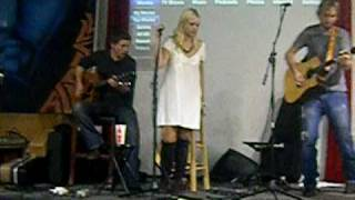 "Chloe Johns ""Wreck My Heart"" live @ Ida Red"