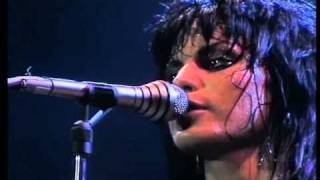 Joan Jett and the Blackhearts 08. Shout [LIVE 1982]