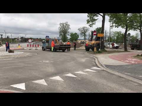 Wideo1: Nowe rondo w Rawiczu otwarte