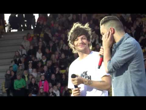 Liam + Louis Talking - One Direction - OTRA Horsens 16/06/2015 (видео)