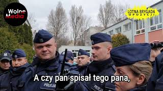 Kandydat / prezydent Andrzej Duda & Policja obchodzili Dzień Kobiet