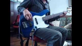 Extremoduro - Abreme el Pecho y Registra.bass bajo.MOV