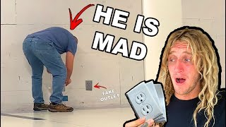 FAKE POWER OUTLET PRANK!! (Airport Edition)