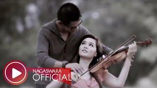 Download lagu Ady Selalu Mencarimu Mp3
