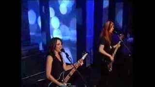 The Bangles   Manic Monday   Top Of The Pops   September 2001