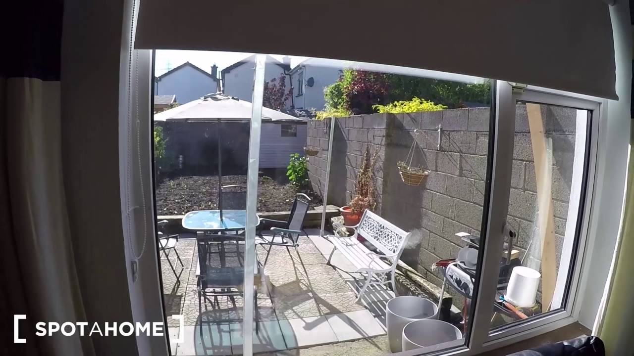 room to rent in spacious shared house in Clondalkin, Dublin