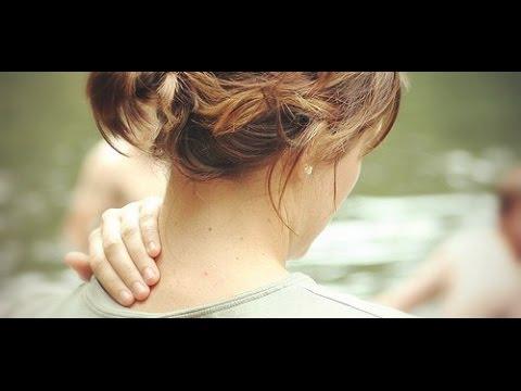 Очень сильно болит спина чуть ниже лопаток