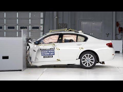 اختبار تصادم سيارات BMW