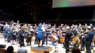 Alondra de la Parra makes the Orchestre de Paris dance !