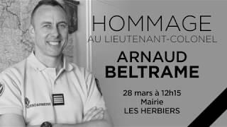 Annonce de l'hommage au Lieutenant-Colonel Beltrame devant mairie des Herbiers