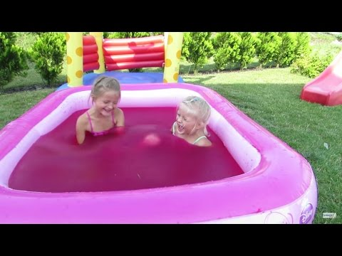 Water Playground Fun and Magic Gelli Baff in Giant Pool Princess for Children Challenge [12:03x720p]