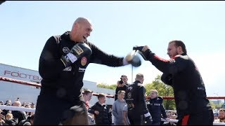 GYPSY STYLE! - TYSON FURY & BILLY JOE SAUNDERS ABSOLUTELY WRECK THE PADS W/ BEN DAVISON @ STEVENAGE