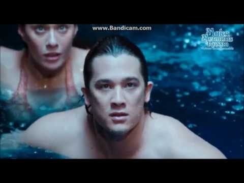 Evie loses tail - Mako Mermaids
