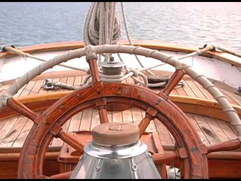 Alden Staysail Schoonervideo