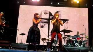 Gambar cover LANEWAY 2013: Gotye - Somebody That I Used to Know ft. Kimbra LIVE (Singapore)