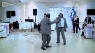 Развод с караоке на казахской свадьбе))