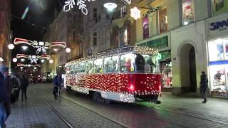 Как в Чехии украшают трамваи