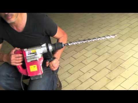 Come fare un buco nel cemento armato con il tassellatore