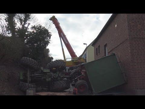 Traktor mit Hänger umgekippt - Fahrer verletzt in Bornheim-Rösberg am 22.02.19