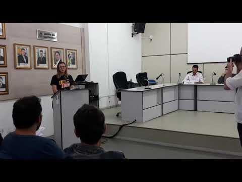 Professores da Rede Estadual de Ensino se reúnem na Câmara Municipal de Medianeira para apresentar as reivindicações da classe em meio à greve
