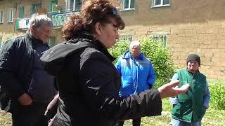 Встреча жителей д. 111 ул. Белоглазова с известным журналистом Искандером Сираджи.