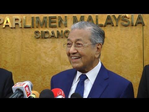 Tun M denies rumour of Cabinet reshuffle (FULL PC)
