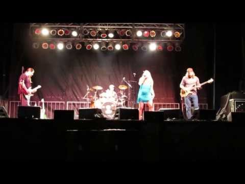Semiblind at Punkin Chunkin 2013 - Cover of Edge of 17 ----- Hit Me With Your Best Shot