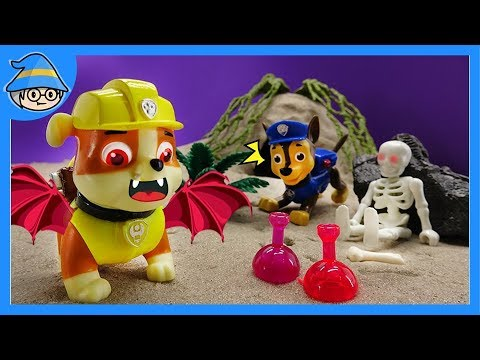 Paw Patrol became Dracula! Run away from the haunted house.